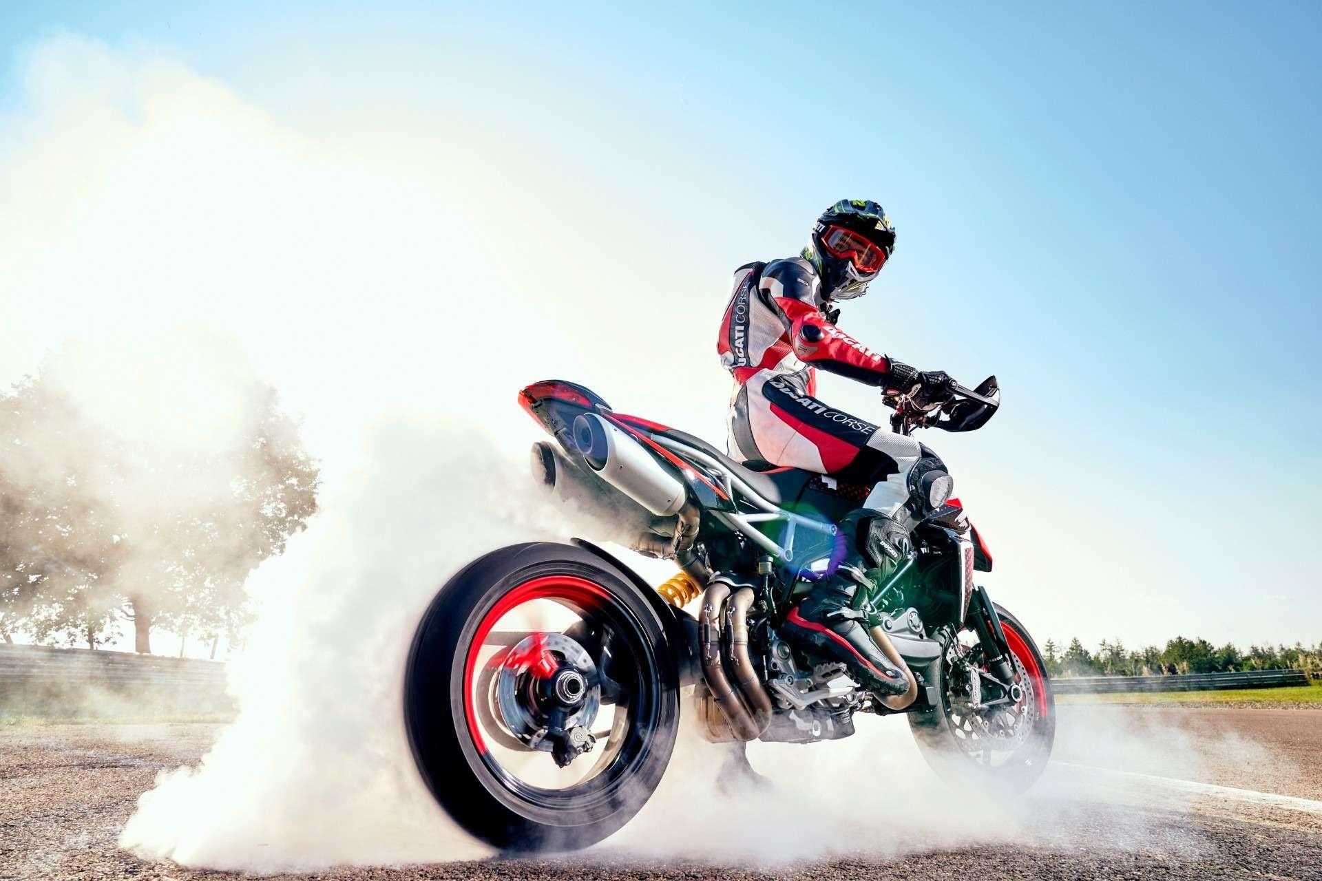 Ducati показала мотоцикл Hypermotard вварианте 950RVE— фото 1141067