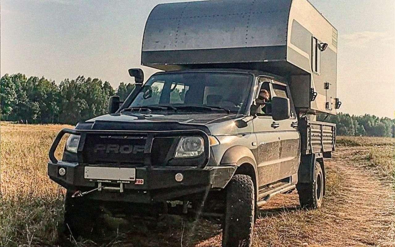 Жилой модуль исолнечные батареи— УАЗ Профи превратили вдом-вездеход— фото 1278567