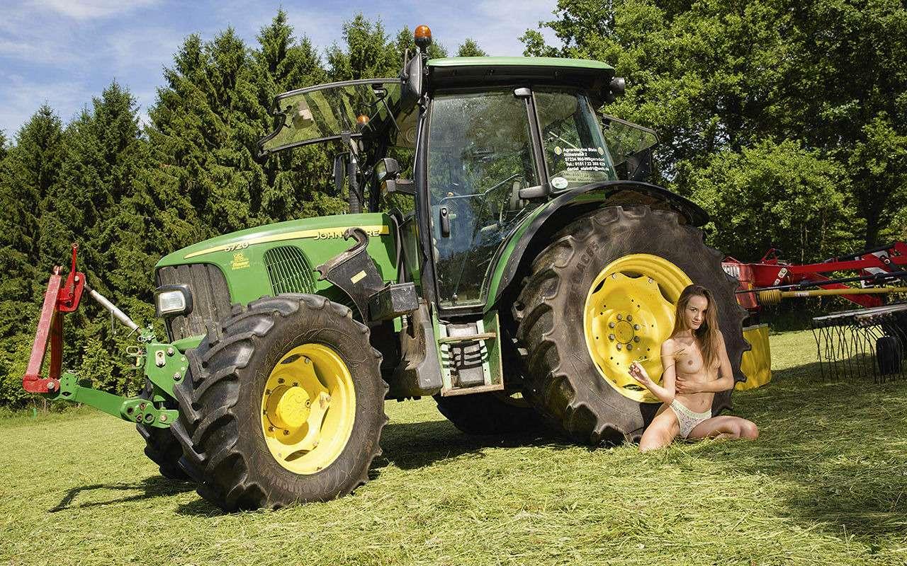 Девушки исельхозтехника: задорный календарь на2019год— фото 930409