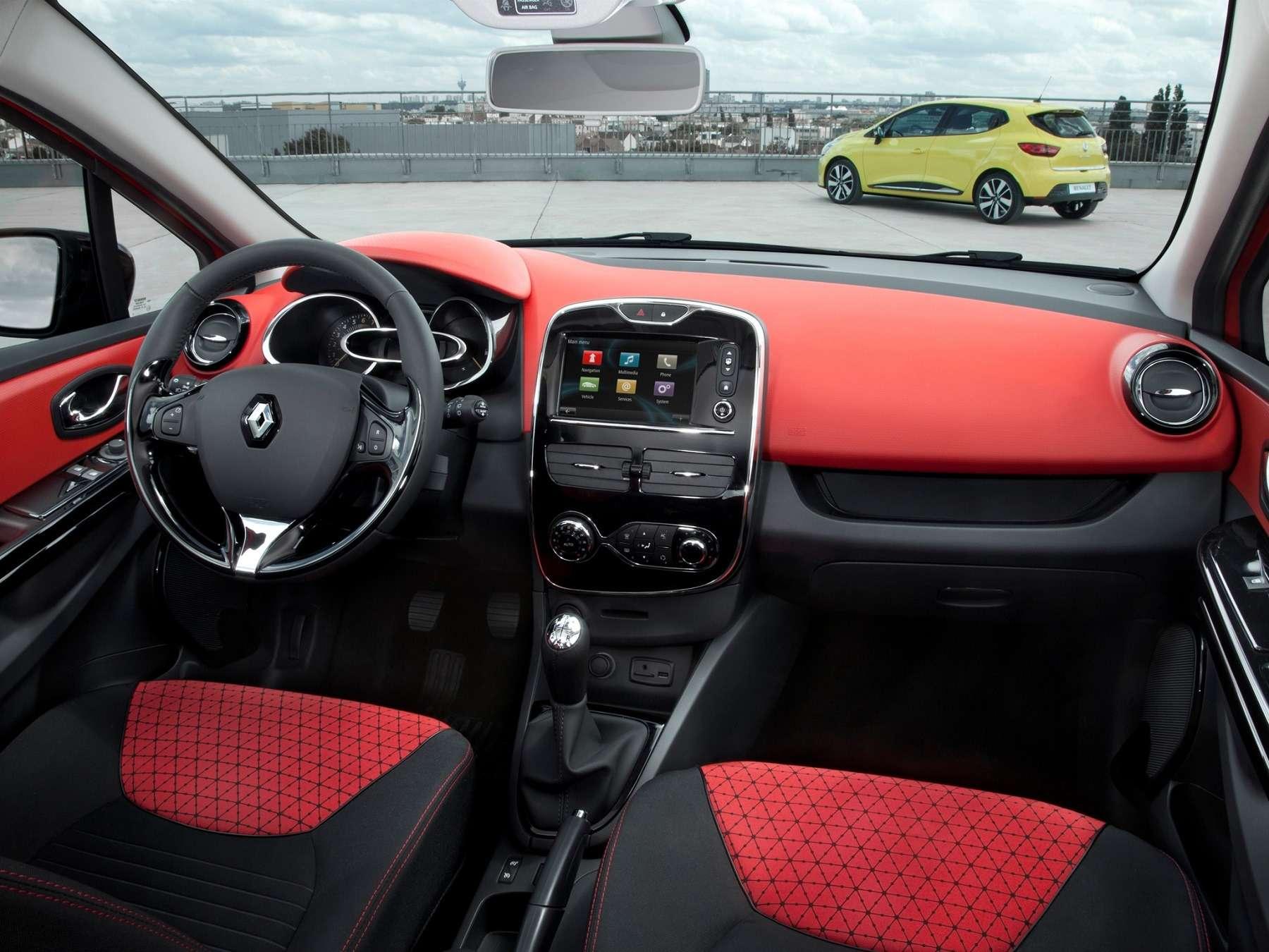 Интерьер Renault Clio