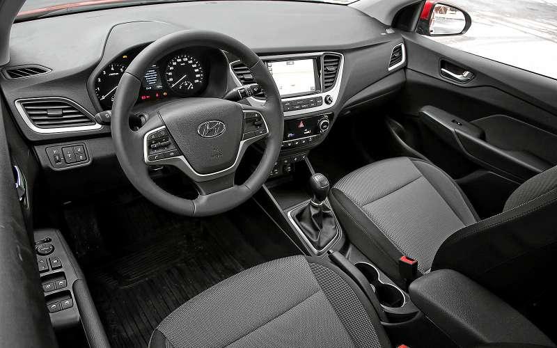 Интерьер Hyundai Solaris 2