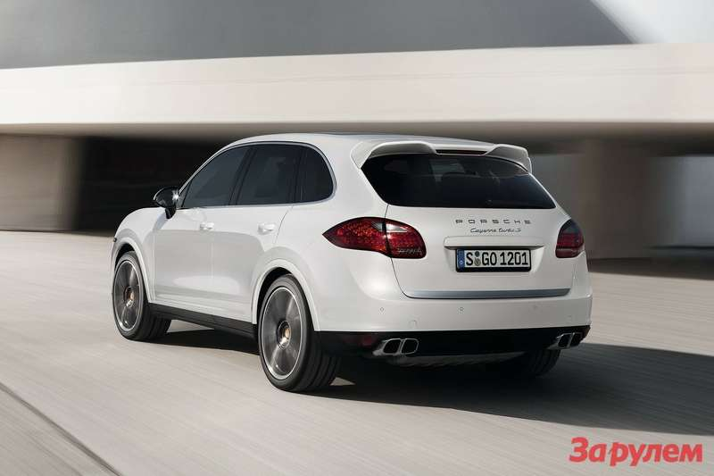 Porsche Cayenne Turbo S side-rear view