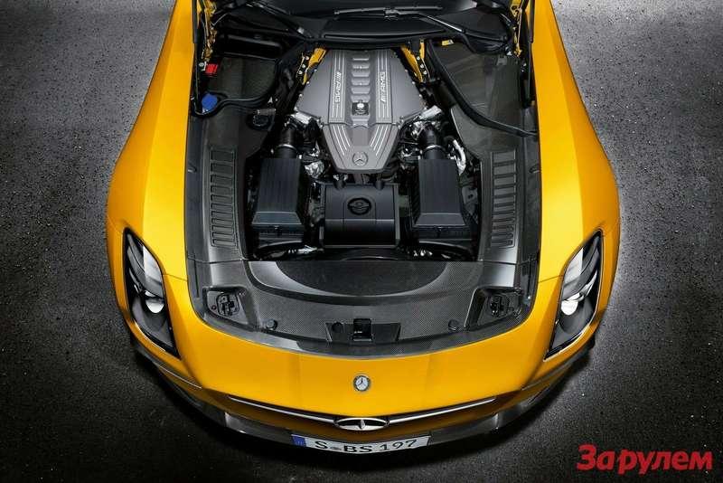 Mercedes-Benz SLS AMG Black Series engine compartment