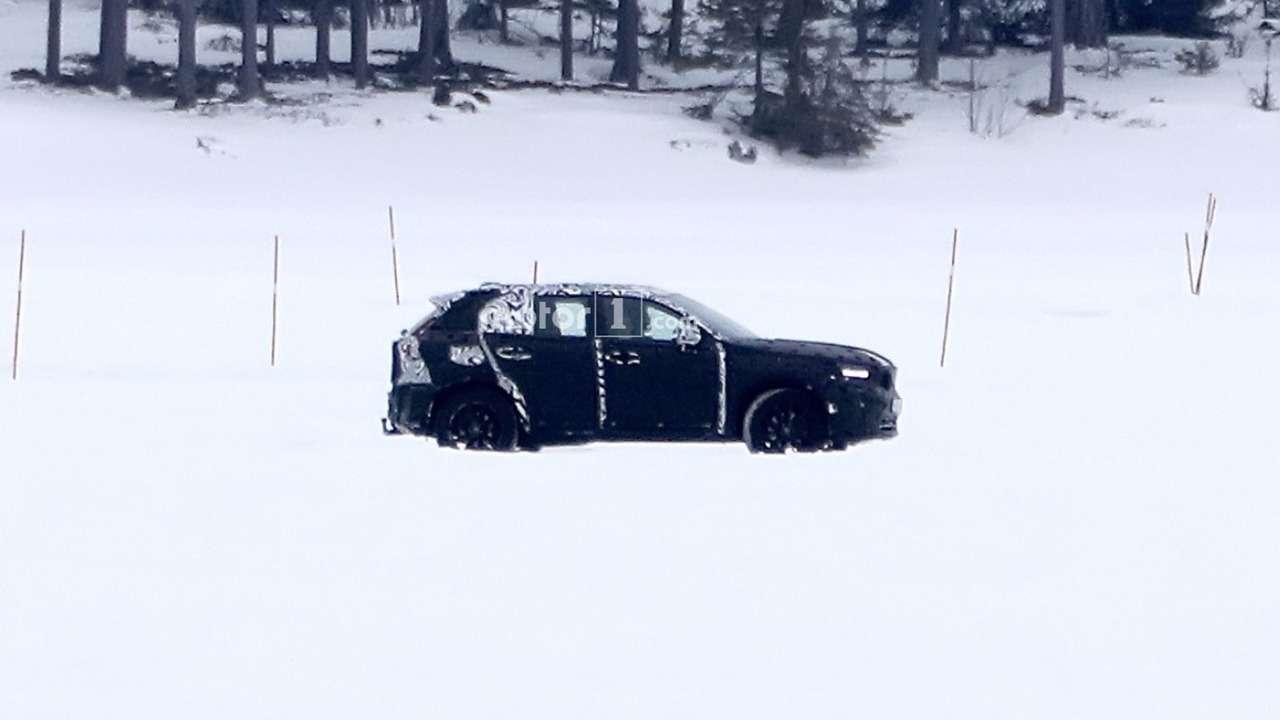 Кроссовер Volvo XC40 срывает покров тайны— фото 703923
