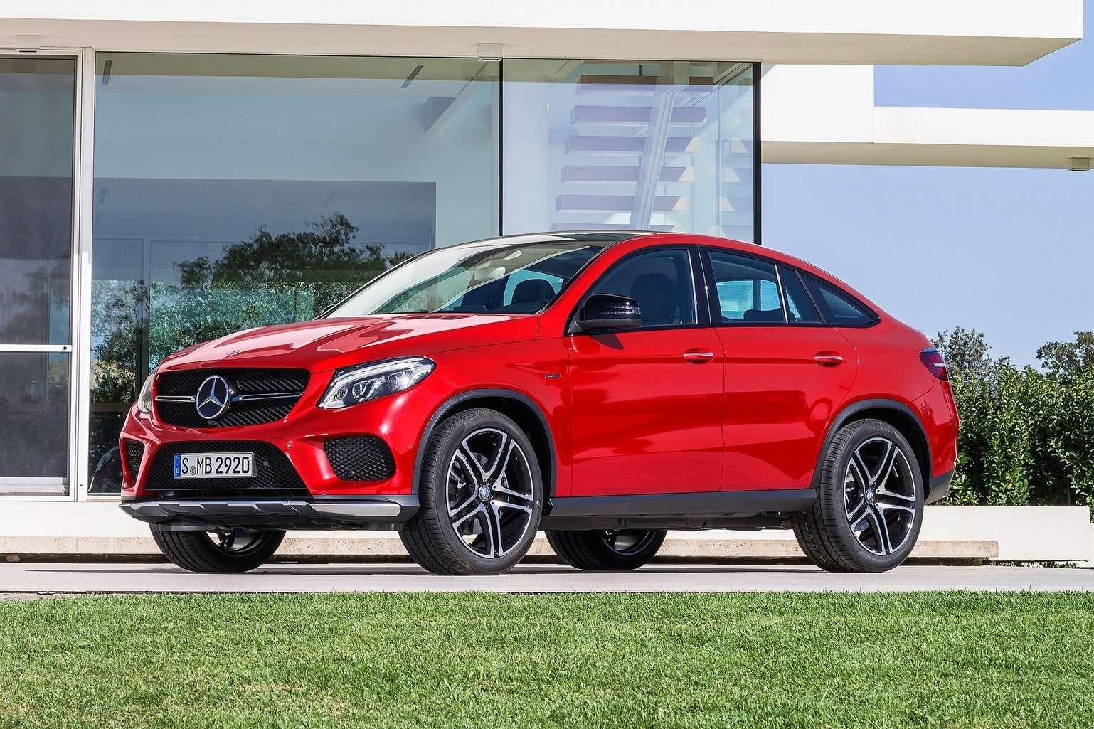 Mercedes-Benz-GLE450_AMG_Coupe_2016_1600x1200_wallpaper_01