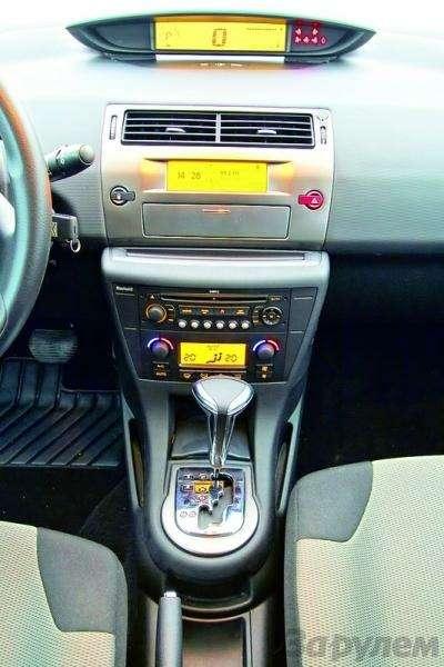 Toyota Auris, Mitsubishi Lancer, Nissan Tiida, Citroen C4: Имею желание…— фото 92604
