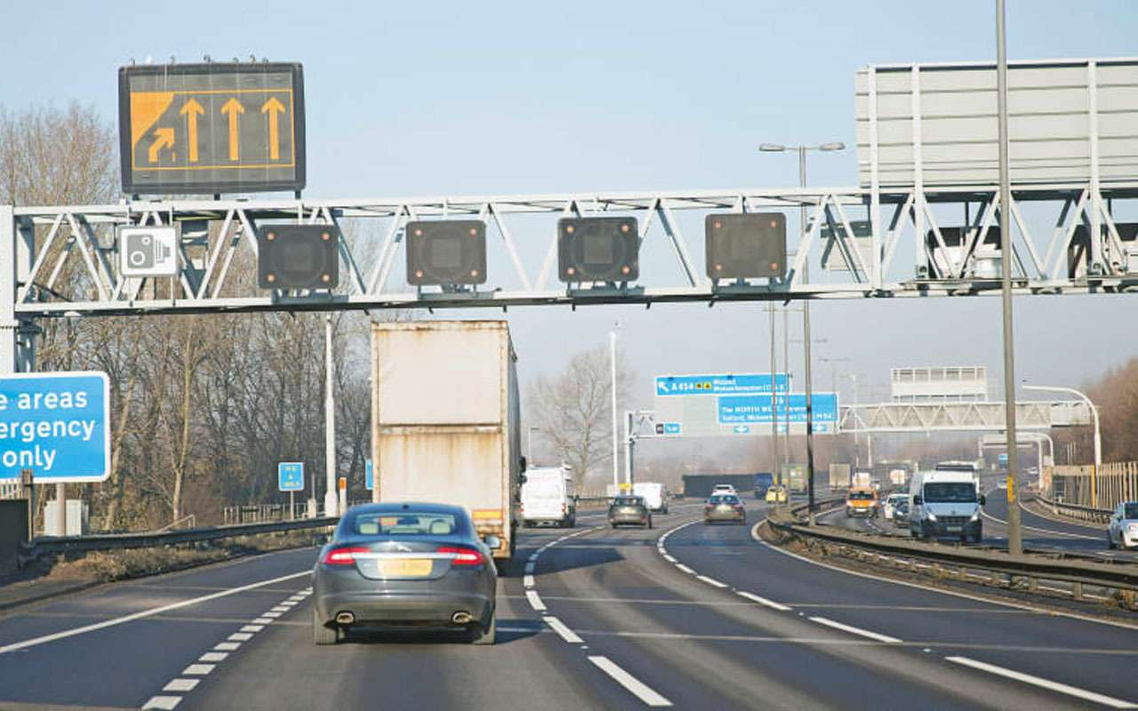 Почему Англия готова отказаться от умных магистралей