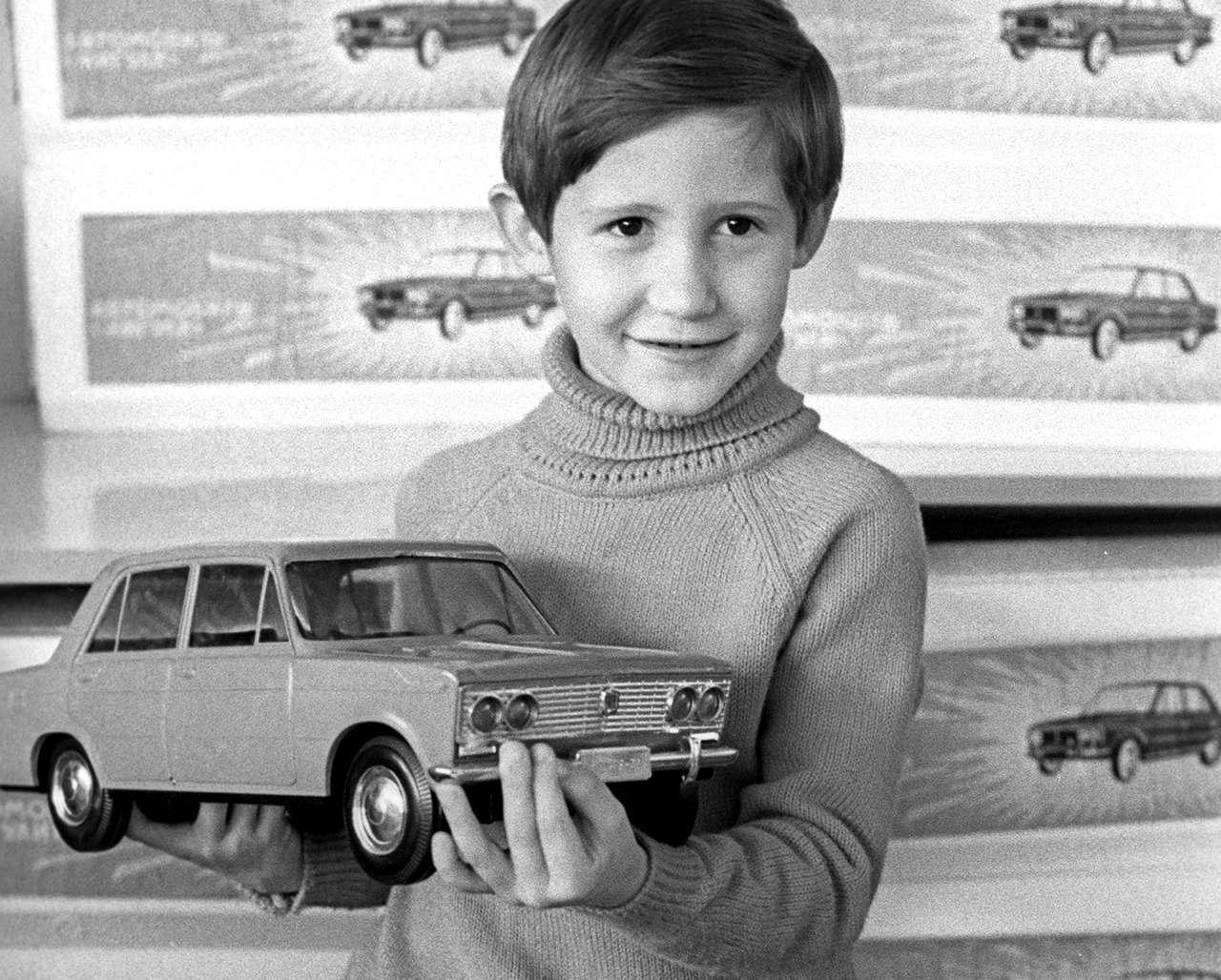 Лада за1,5млн, шины позаписи, 40коп./литр... Ачто выпомните про 80-е?— фото 1153393