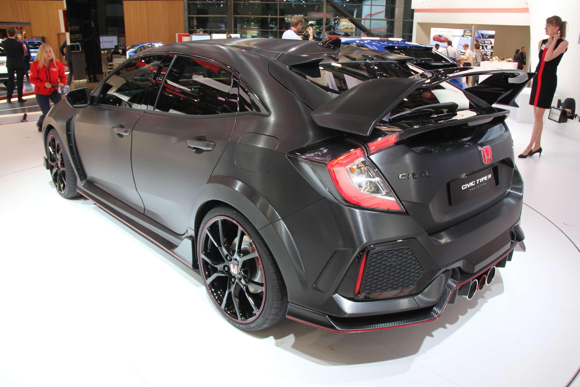 Смотрите инеспрашивайте: Honda показала новый Civic Type R— фото 641954
