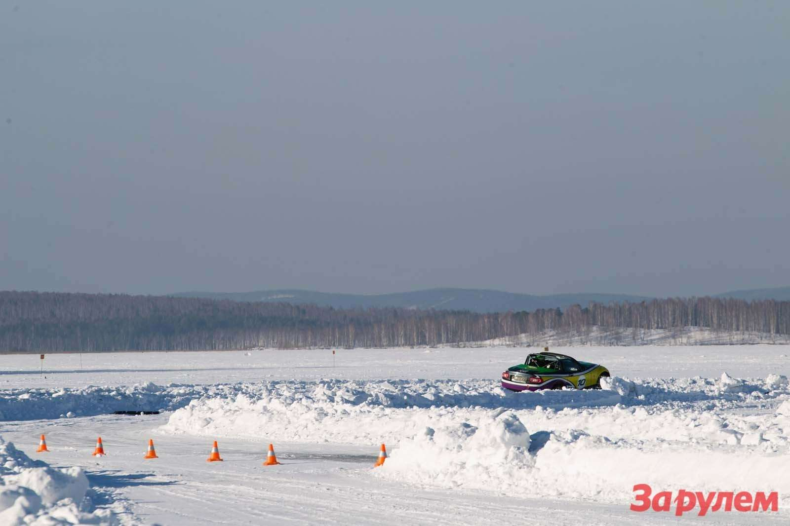 Mazda MX5Ice Race 2013     97