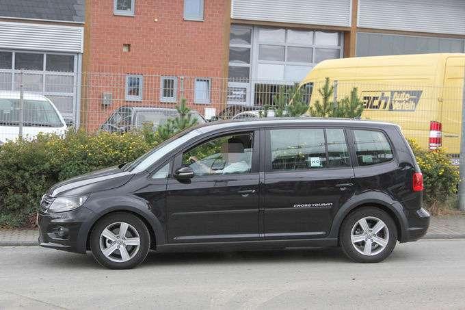 Erlkoenig-VW-Touran-fotoshowImage-612796a5-629523_no_copyright