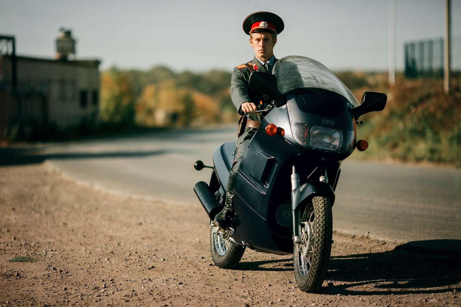 Первый советский мотоцикл сроторным двигателем: пуля сВАЗа!— фото 914954