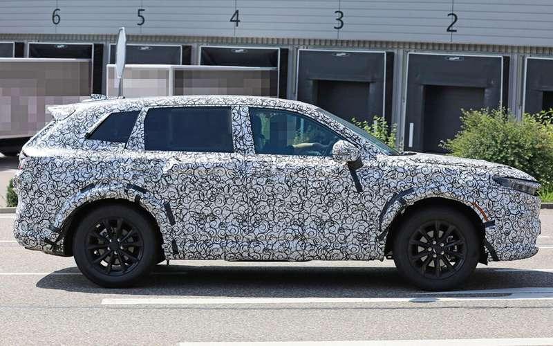 Honda CR-V нового поколения выехала на тесты