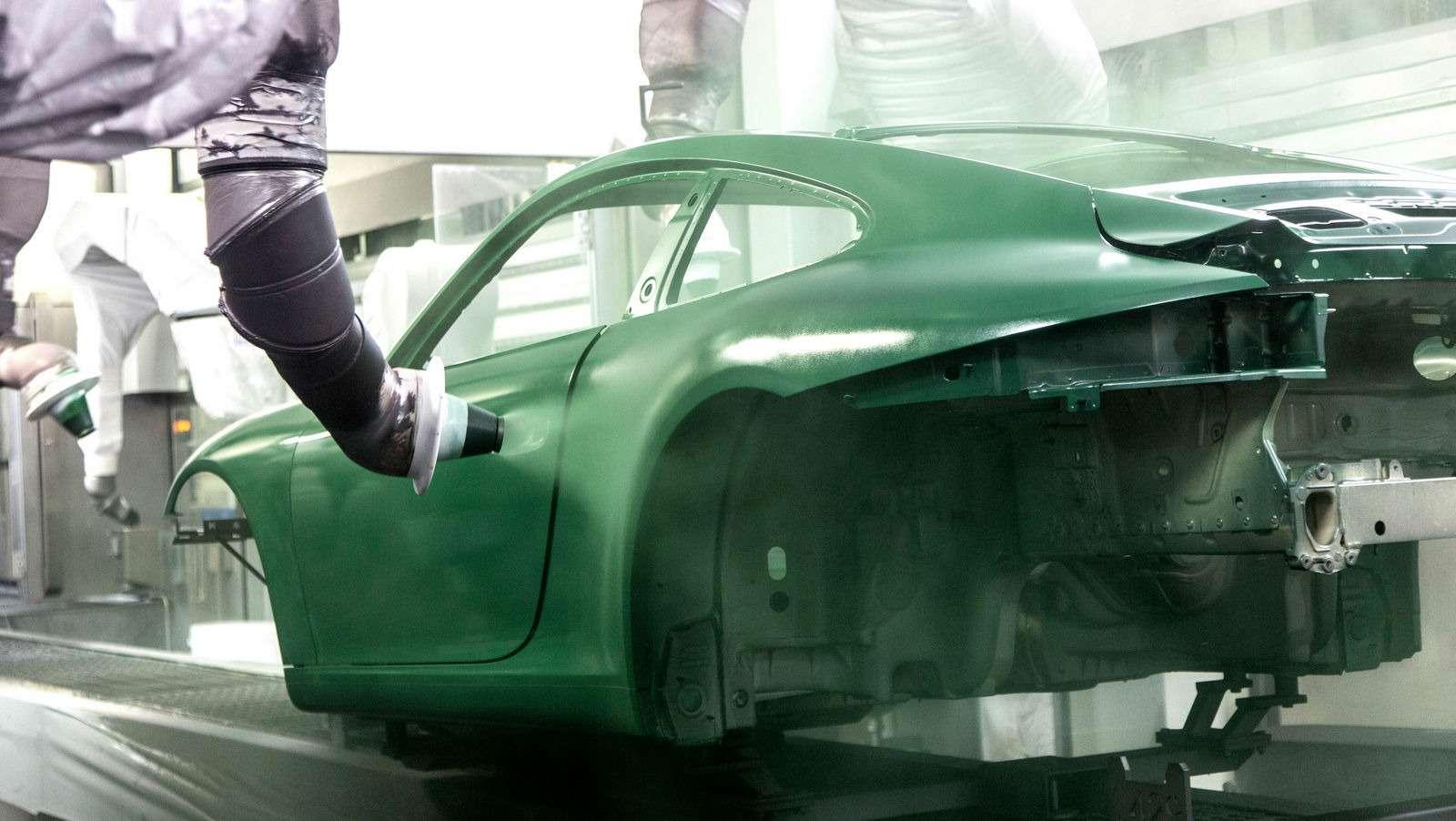 Многая лета: выпущен миллионный Porsche 911— фото 749849