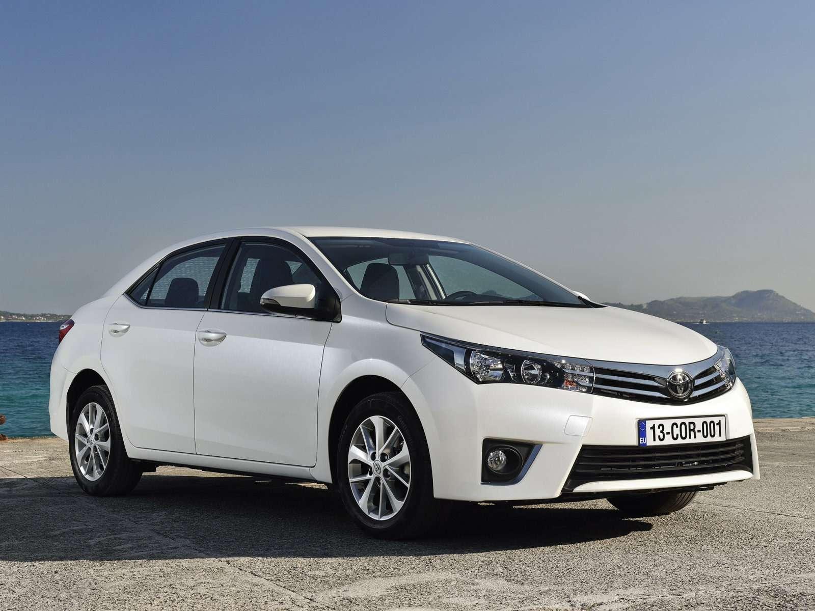 Toyota_Corolla_Sedan_2013