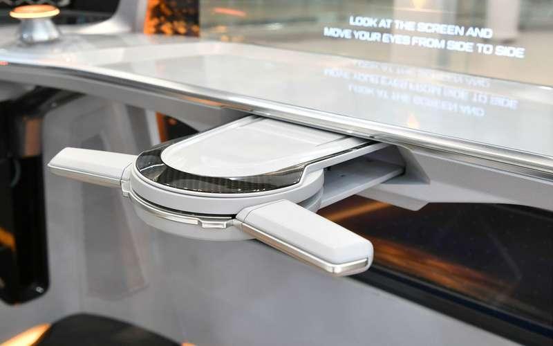 Hyundai запатентовала складной руль