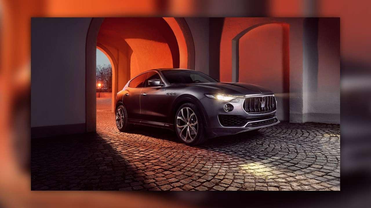Нарасстоянии удара: Maserati Levante подобрался кPorsche Cayenne Turbo— фото 728853