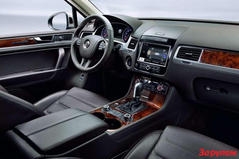 2011-Volkswagen-Touareg6