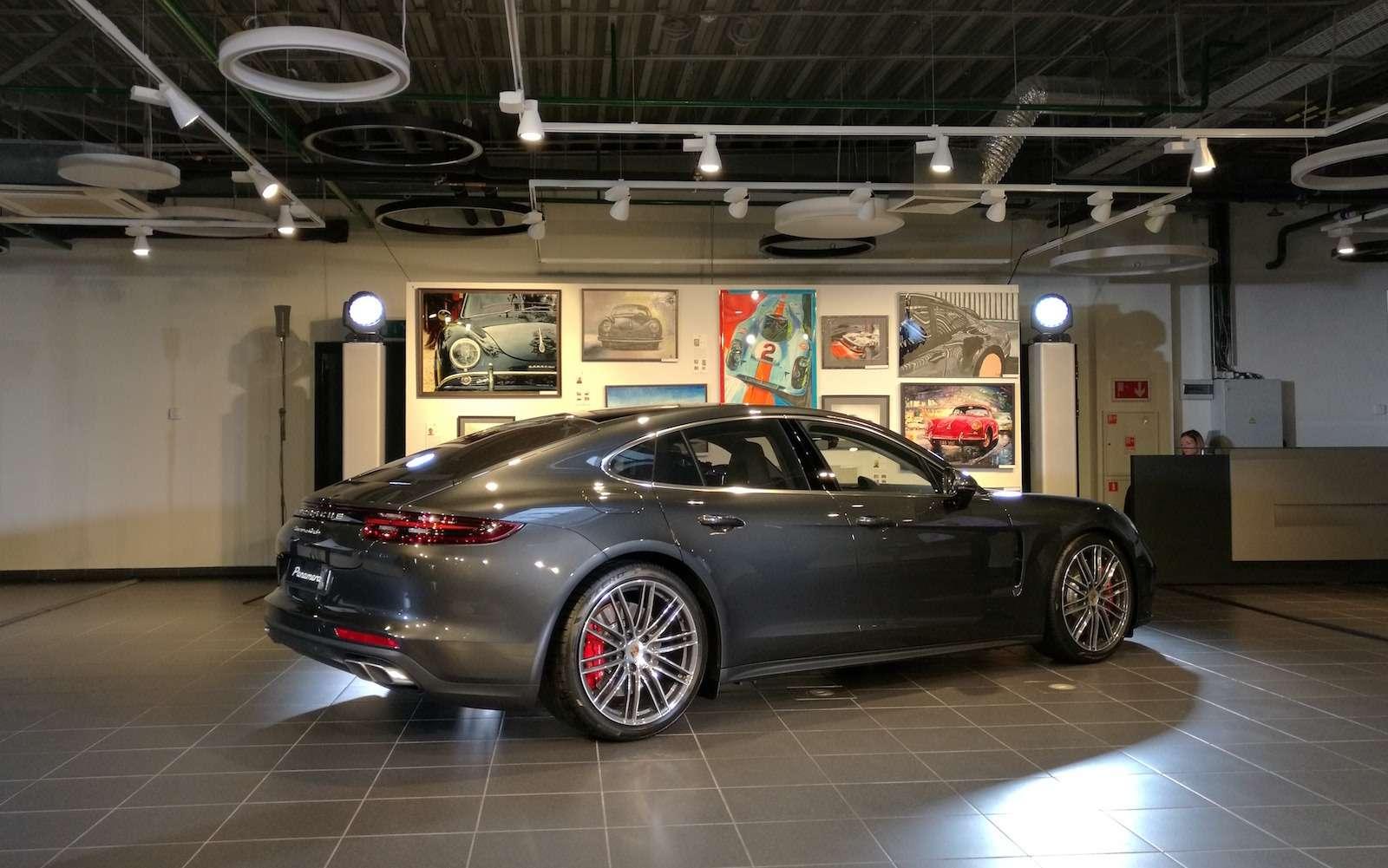 Новую Porsche Panamera показали российским СМИ— фото 630874