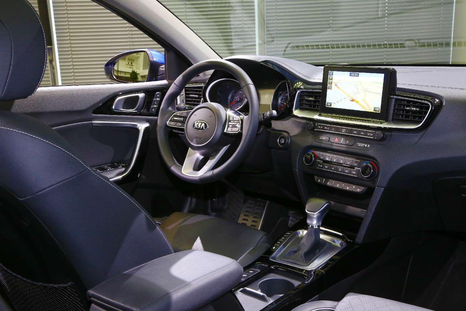 Новый Kia Ceed: хэтчбек сейчас, сюрприз потом— фото 845373