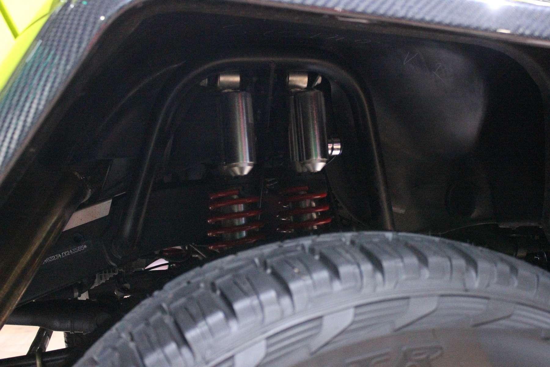 Стенд или шоу-рум: Mercedes-Benz E-класса ивсе-все— фото 624466