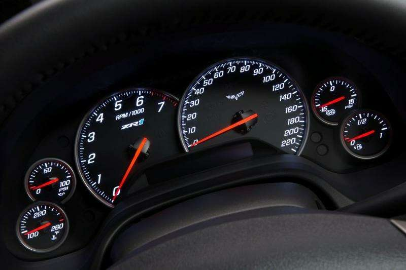 Chevrolet Corvette ZR-1на трассе Нюрбургринга: 7:26.4на круг— фото 348844