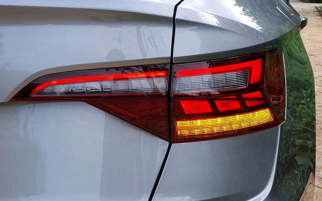 Новый Volkswagen Jetta: 5оценок идетальный тест-драйв— фото 1030549