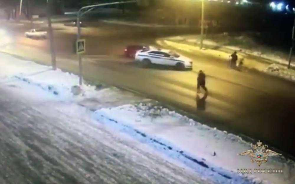 Сотрудники ДПС приняли удар лихача насебя