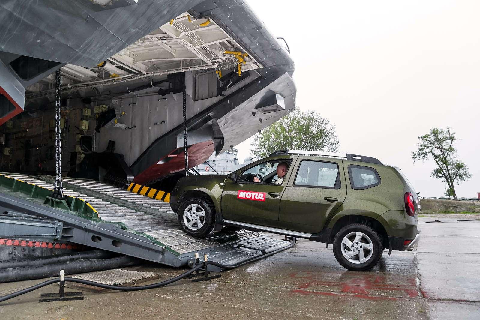 Renault Duster навоенном полигоне идорогах Прибалтики— фото 613513