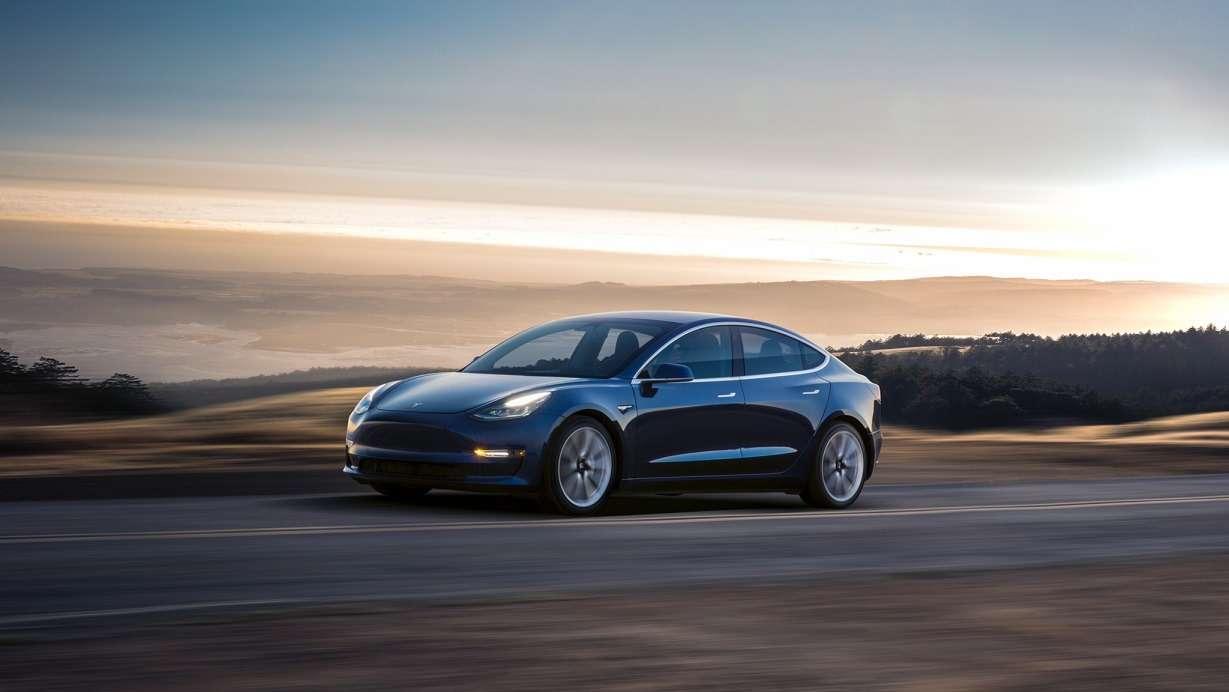 Tesla сообщила цены наModel 3.Нокупить еенедает— фото 779799