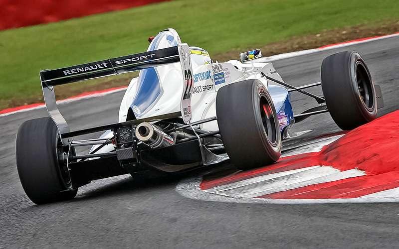 Болид серии Formula Renault 2.0, 2013год