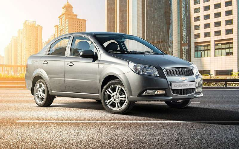 Chevrolet начал распродажу Nexia иCobalt