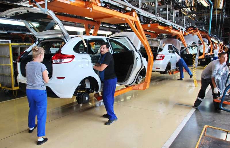 Доля импортных автомобилей вРоссии упала до17,8%