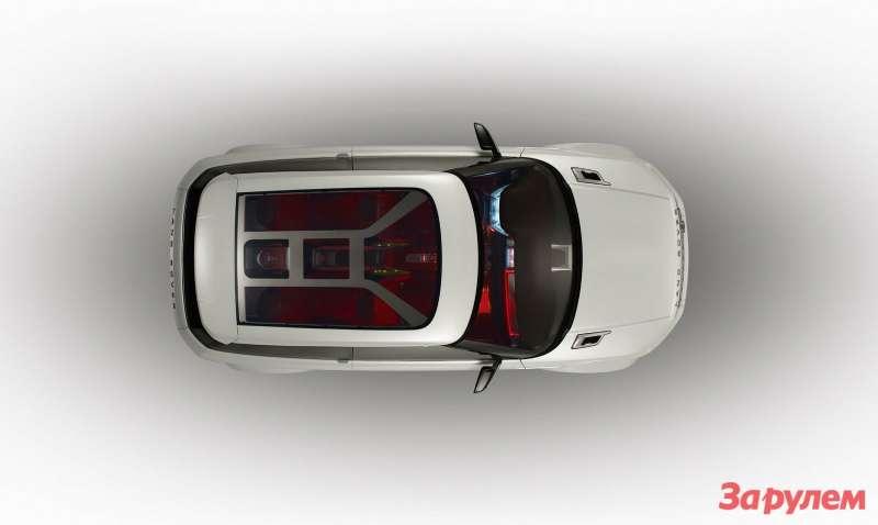 Бэби-Рейндж— еще один автомобиль, который отличается отконцепта только штрихами, кстати встеклянной крыше Evoque, вотличие отконцепта LRX отсутствуют ребра жесткости, закрывающие вид нанебо.