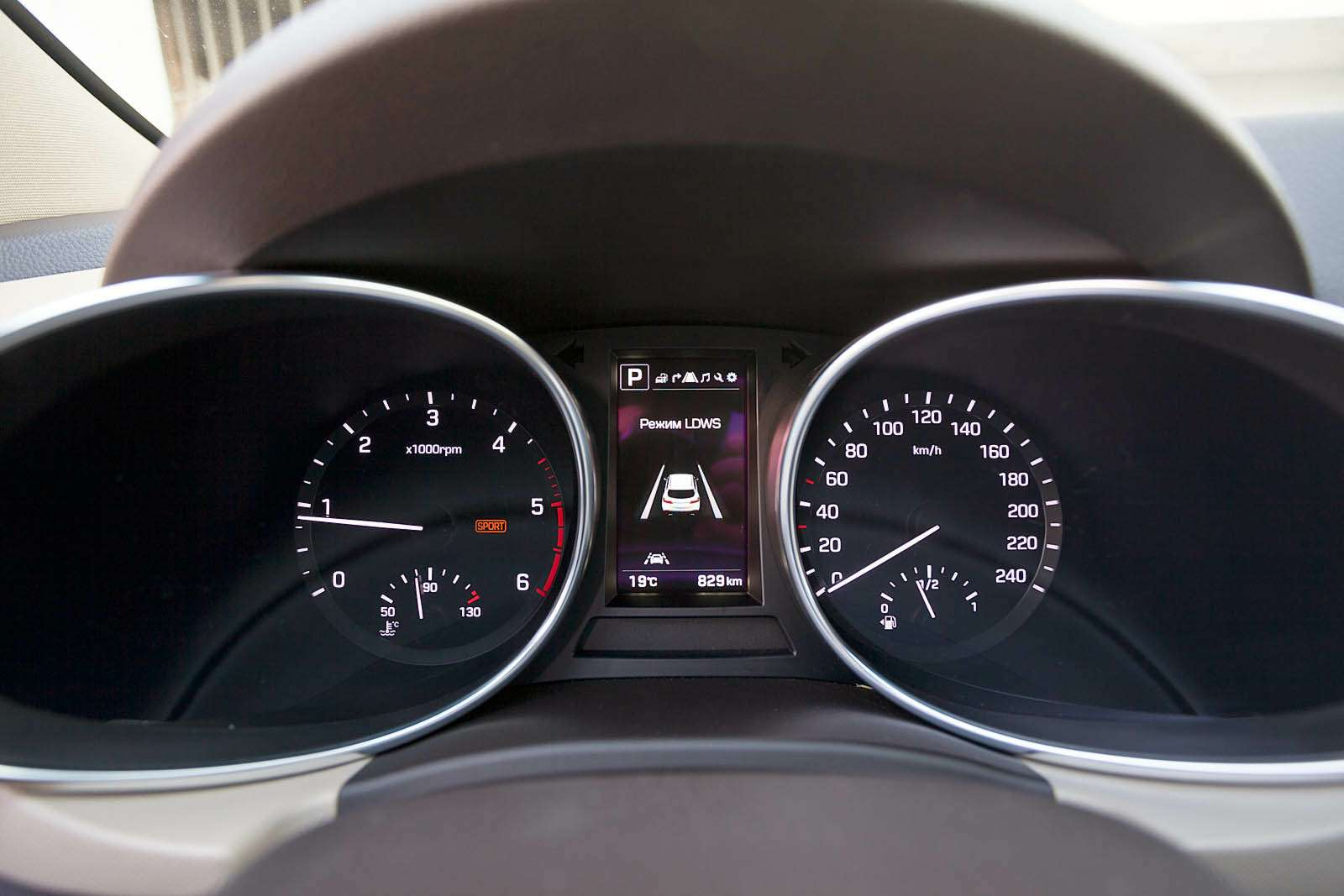 Обновленный Hyundai Grand Santa Fe: первый российский тест-драйв— фото 593788