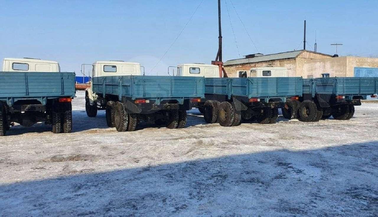 Найдена стоянка сновыми грузовиками ЗИЛ— фото 1236408
