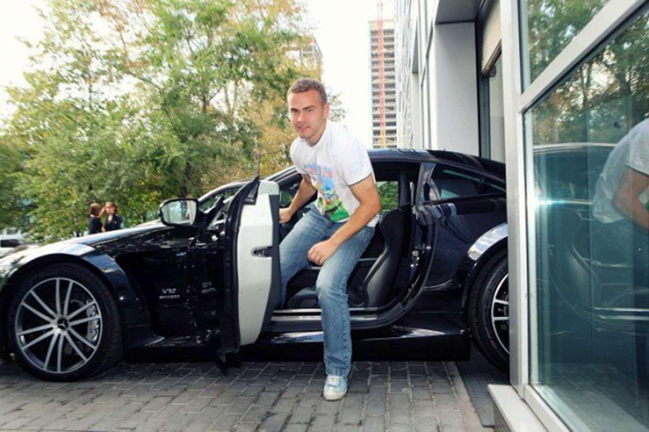 Начем ездят Акинфеев идругие игроки российской сборной— фото 878558