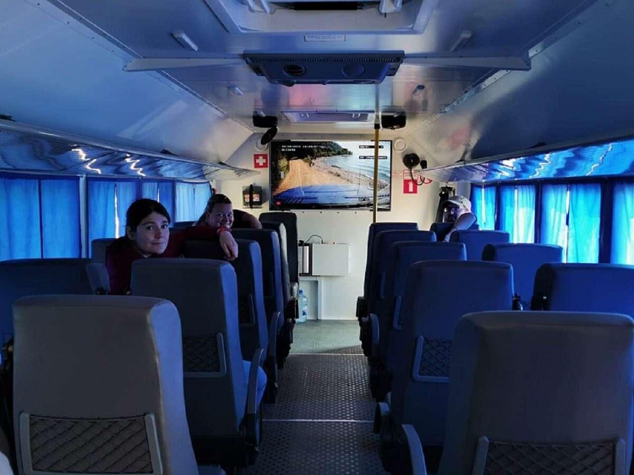 «Урал» показал автобус-внедорожник (с караоке) - фото 1263805