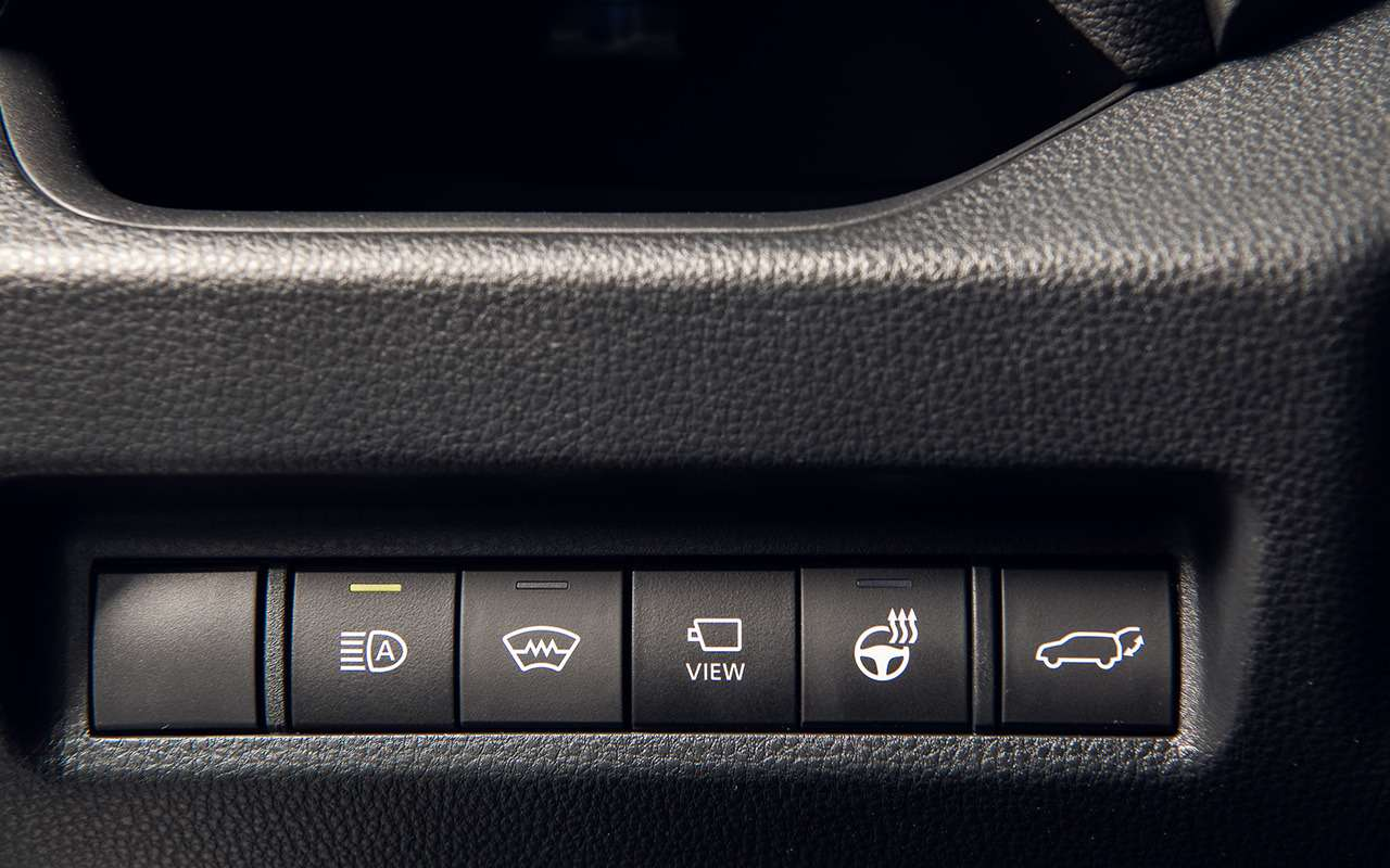 Первый тест-драйв Toyota RAV4 нового поколения— фото 1006016
