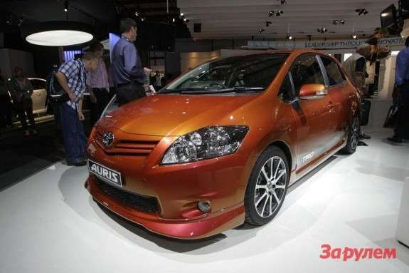 Toyota Auris TRD Supercharged side-front view 2