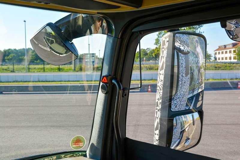 03-MB_Vans&Trucks__zr-09_15