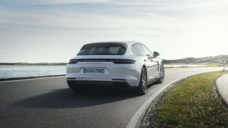 Porsche рассекретила самый крутой «сарай» вмире