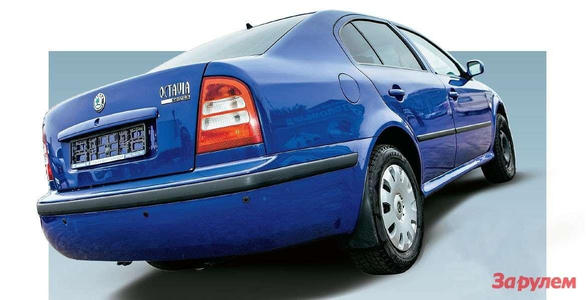 «Октавия»-хэтчбек— самый дачный автомобиль. Вовсяком случае, пообъему багажника— 528л. Единственный минус— оннастолько глубокий, что трудно неиспачкать брюки при погрузке-разгрузке.
