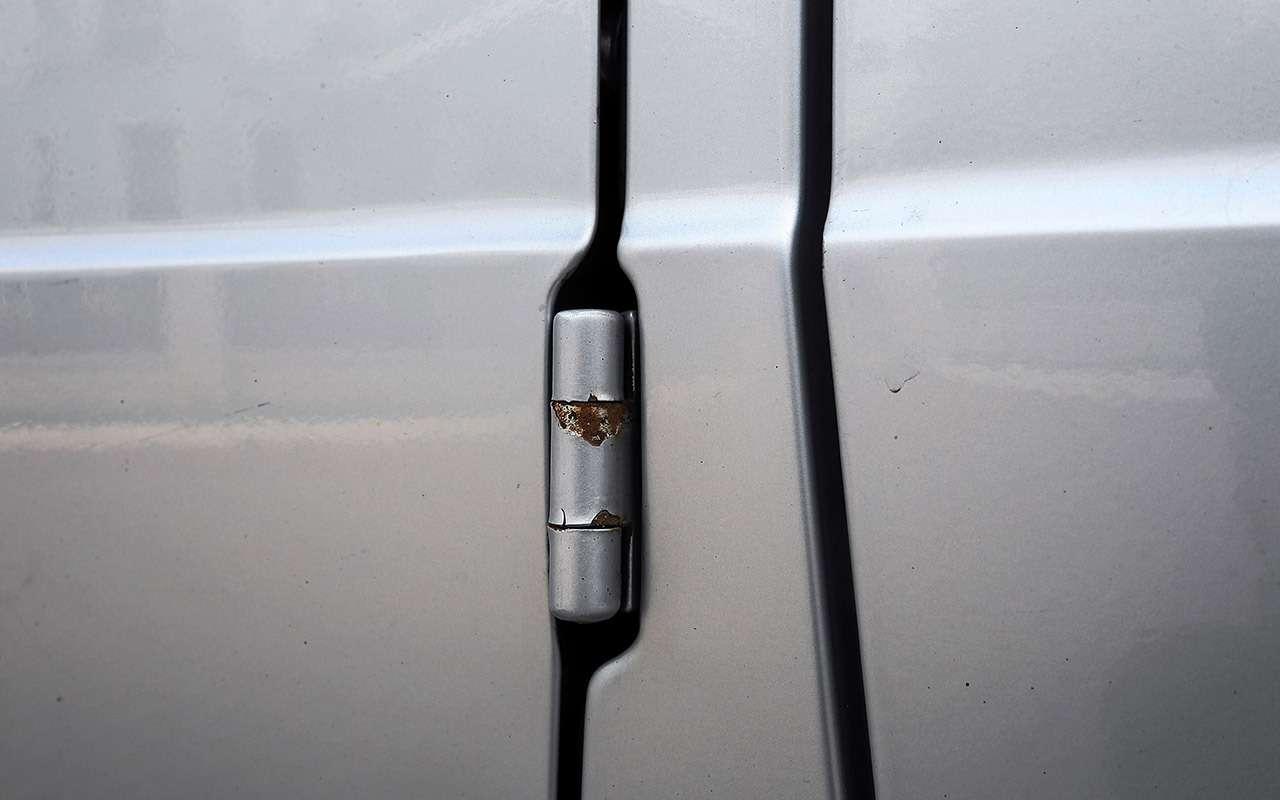 Что взять за1500000 руб.: новый Дастер против 22-летнего Mercedes G300— фото 1260695