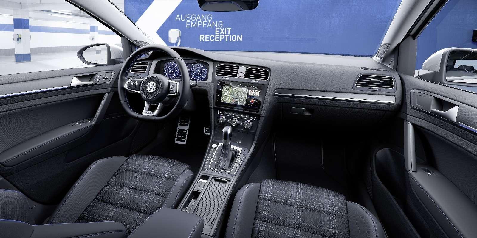 Дальнейшая оцифровка: Volkswagen представил обновленный Golf— фото 661700