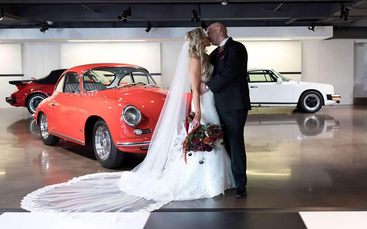 Фанаты Porsche поженились вCayenne находу— фото 913300