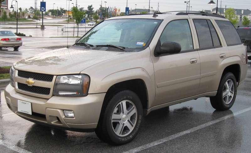 GMотзывает старые Chevrolet TrailBlazer из-за дефекта фар