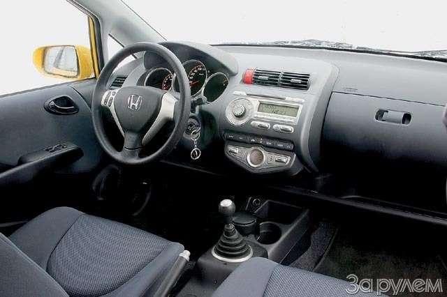 Тест Renault Modus, Peugeot 1007, Honda Jazz. Загадки малых форм— фото 61760