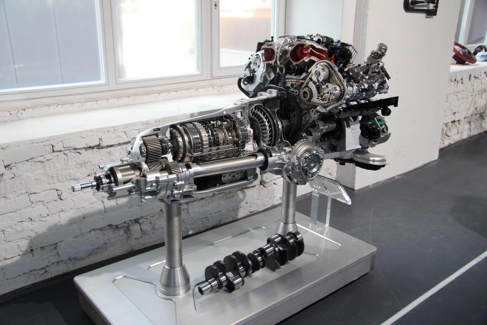 Bentley привезла вМоскву «экстраординарную» выставку— фото 593976
