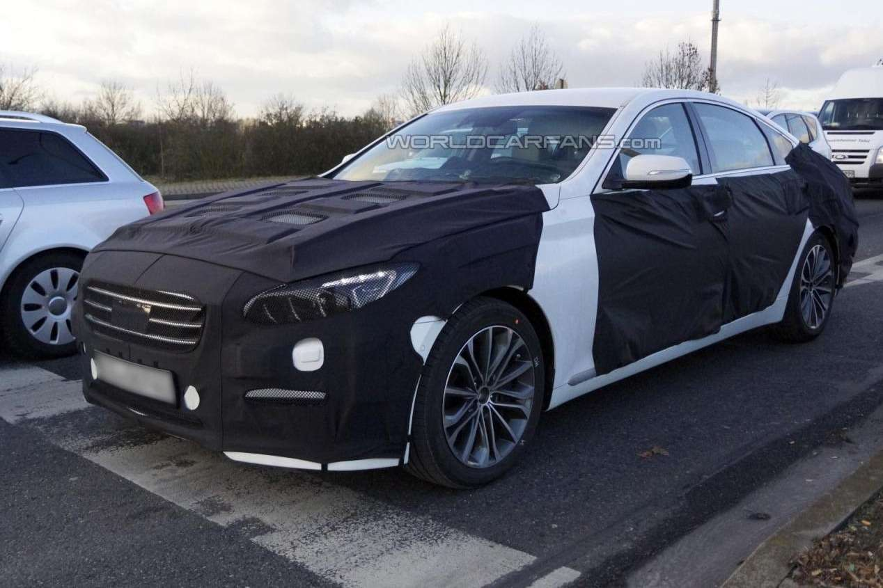 New Hyundai Genesis test prototype side-front view_no_copyright
